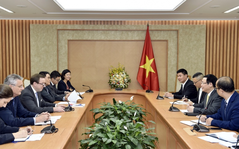 EuroCham Delegation lead by Jens Ruebbert met with Deputy Prime Minister Vuong Dinh Hue