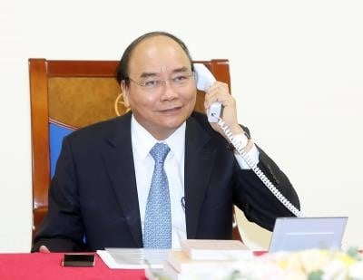 Vietnamese, Danish PMs phone call